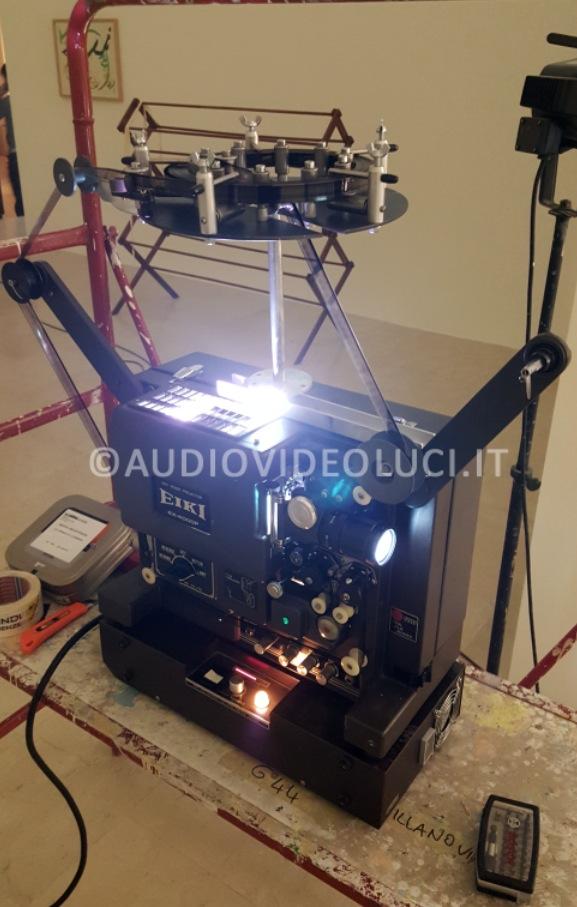 16 mm projector - audiovideoluci.it noleggio 16 millimetri, installazioni per esposizioni,  noleggio proiettori per esposizioni, noleggio per mostre d'arte, installazioni triennale milano, noleggio hantarex, monitor hantarex noleggio monitor hantarex funzionanti, noleggio hantarex, audiovideoluci, diego lucchini.